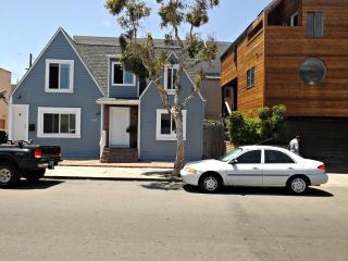 The Best Value in Mission Beach steps to the beach - Pacific Beach vacation rentals
