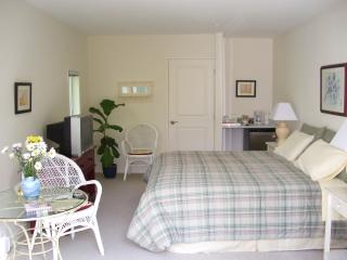 Rosemarie's Guesthouse B&B: Garden View Room - Sechelt vacation rentals