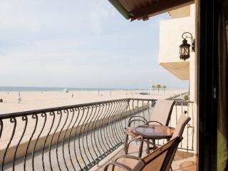 HB Oceanfront Beach Condo 8 ~ RA2956 - Hermosa Beach vacation rentals