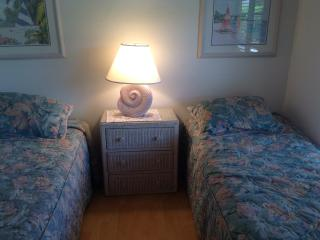 Sleeps 6 at Mariner- Across from Residents Beach! - Marco Island vacation rentals