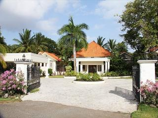 Vacation as a king in this refained caribbean villa - Sosua vacation rentals