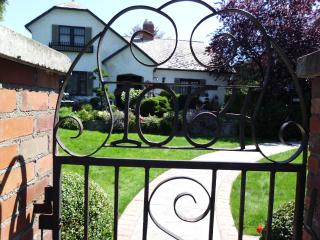 Primrose Place Quaint,private, Beautiful self cont - Penticton vacation rentals