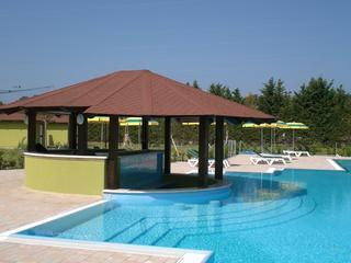 Pool bar and outdoor swimming pool - Studio apartment with Wifi, on resort, close to beach - Pizzo - rentals