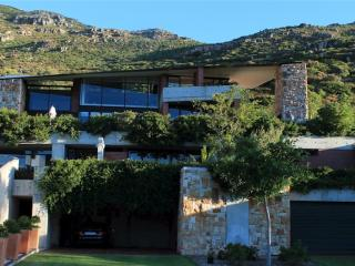 Snooze in Hout Bay. Kip. Self catering. - Hout Bay vacation rentals