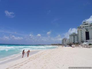 Spacious Condominium Prime Beachfront - Cancun vacation rentals