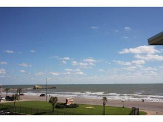View Gulf, Pool, Beach & Fishing Pier.