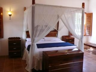 The Crimson Orchid Inn - #1 Bridal Suite - Belize Cayes vacation rentals