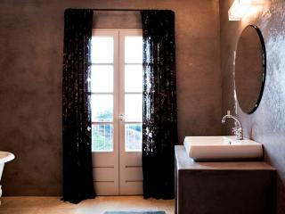 Suite Flora - Luxury room in Cateri, Corsica, with private entrance and modern amenities - Cateri vacation rentals