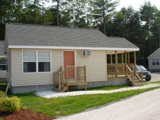 Wells Beach, Maine - Beach Dreams Cottage Sleeps 6 - Wells vacation rentals