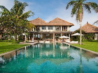 Shalimar: Beachfront luxury villa/ 6 BDR - Pererenan vacation rentals