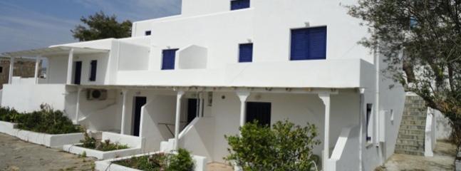 Pefka studios Paros - 2 room apartment for 5 persons - Paros vacation rentals