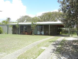 Log cabin 200 metres to the beach. - Sunrise Beach vacation rentals
