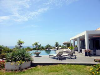 Superb villa for weekly / monthly rent with tremendous view - Saint Martin vacation rentals