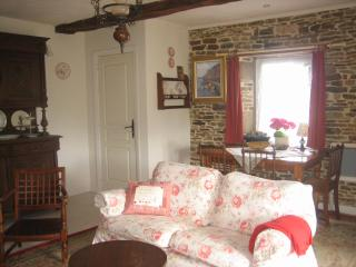 Quaint 300yo Stone Cottage Normandy France - Romagny vacation rentals