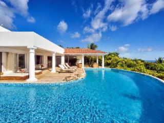 Lune de Miel - Beautiful villa with large pool, spacious gazebo & great sea views - Terres Basses vacation rentals