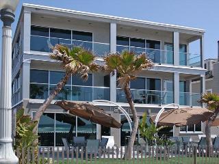 Spectacular oceanview retreat- unobstructed view, full kitchen, plasma TVs - Coronado vacation rentals