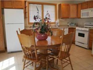 Spacious 2 BR Apartment above Vacation Home at Three Rivers Resort in Almont (George Bailey Loft) - Almont vacation rentals