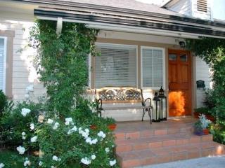 Hollywood 2 Bedroom 2 Bath House (2423) - Los Angeles vacation rentals