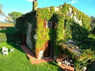 Villa Fabrizia C - Pescia Romana vacation rentals