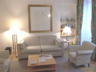 Trocadero Longchamp - 2 bedroom apartment  (1655) - Image 1 - Paris - rentals
