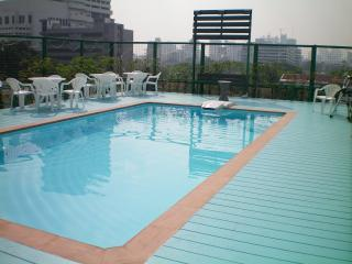 Swimming pool.JPG - Supapen Mansion Luxury 2BR suite brand new Bangkok - Bangkok - rentals