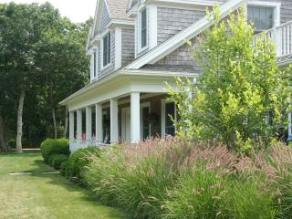 HERGT - Luxury Retreat, Ferry Tickets,  Quansoo Association Beach Rights, Central Air, 4500 sq. ft. - Chilmark vacation rentals