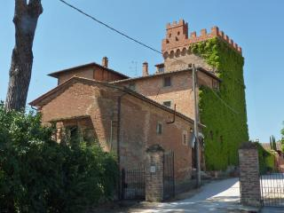 B&B in a  tower, rooms and art - Montepulciano vacation rentals