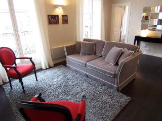 Paris 2 Bedroom Condo at Bachaumont - Paris vacation rentals