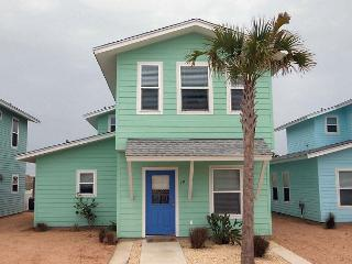 Super cute 4 bedroom 3.5 bath home in fabulous Royal Palms! - Fulton vacation rentals