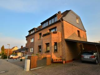 LLAG Luxury Vacation Apartment in Cologne - 624 sqft, relaxing, clean (# 144) - Elsdorf vacation rentals