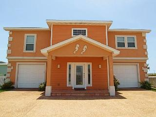 4 bedrooms, 3 baths, 2 car garage, sleeps 16 and offers wireless internet!! - Port Aransas vacation rentals