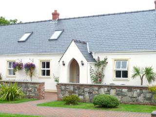 Child Friendly Holiday Cottage - 3 Tudor Lodge Cottages, Jameston - Jameston vacation rentals