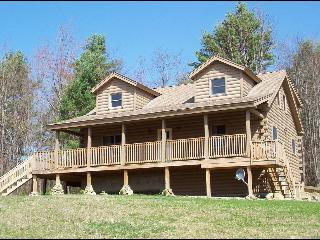 Lovely 3 BR Log Home, White Mountains, Sleeps 6-8 - North Haverhill vacation rentals