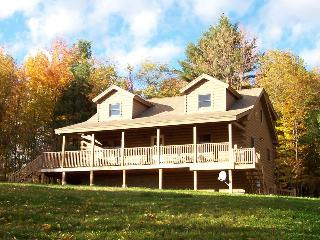 Hilltop View Lodge! Lovely cabin in the White Mtns - North Haverhill vacation rentals