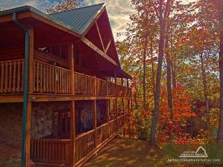 Gatlinburg Getaway  Mtn View Pool Access Hot Tub Game Room Free Nights - Gatlinburg vacation rentals