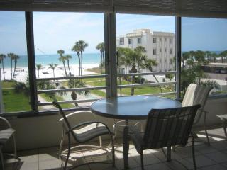 Turquoise waters of the Gulf of Mexico await! - 14 South - Siesta Key vacation rentals