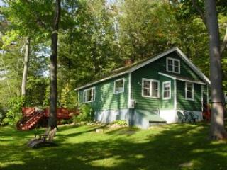 Super House with 2 Bedroom-1 Bathroom in Gilford (431) - Lake Winnipesaukee vacation rentals