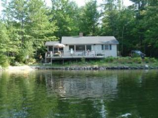 Ideal House in Moultonborough (332) - Image 1 - Moultonborough - rentals