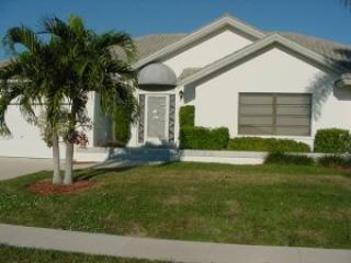 Front of Home - Marques419 - 419 Marquesas Ct - Marco Island - rentals