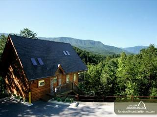 Luxury Lookout  Private Mountain Views Hot Tub Pool Table  Free Nights - Gatlinburg vacation rentals