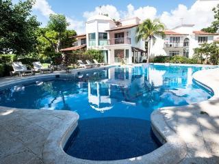 Casa Guacamaya - Villas del mayab 2 - Playa del Carmen vacation rentals