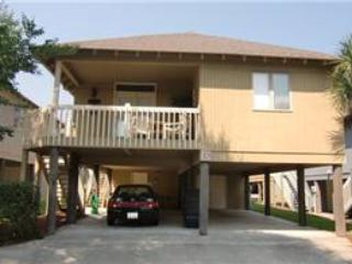 Lovely 3 Bedroom Summer Cottage Vacation Rental, Near the Beach - Image 1 - Myrtle Beach - rentals