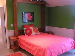 Sweet Cherry in the Heart of Suttons Bay/West Bay - Northport vacation rentals
