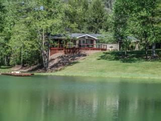 ALONE AT LAST- 2BR/1BA- SECLUDED WITH GATED ACCESS, MOTORCYCLE FRIENDLY, PRIVATE LAKE WITH GREAT FISHING, CREEK, GAS GRILL, COVE - Blue Ridge vacation rentals