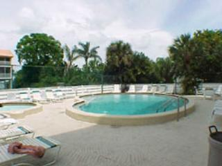 Come cool off and relax at the Pool/ Spa area - Pelican Cove 1 - Bradenton Beach - rentals