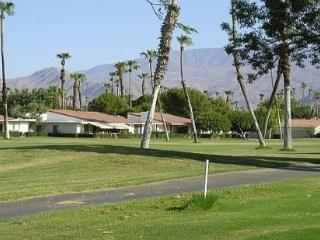 DQ125 - Rancho Las Palmas Country Club - 2 BDRM + DEN, 3.5 BA - Rancho Mirage vacation rentals