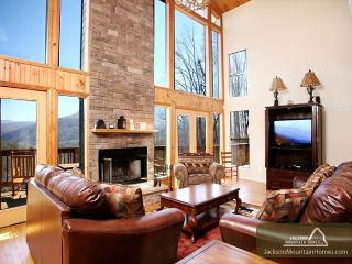 The Bear's Lair   Mountain Views Hot Tub Gaming Jacuzzis   Free Nights - Gatlinburg vacation rentals