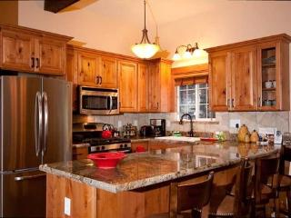 Aery Dog Friendly Tahoe Cabin with Hot Tub - Carnelian Bay vacation rentals