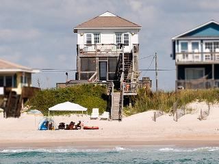Island Drive 3000 Oceanfront!   Hot Tub, Internet, Game Equipment, Jacuzzi - North Topsail Beach vacation rentals
