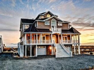 Hampton Colony 634 Oceanfront!   Community Pool, Hot Tub, Elevator, Internet, Game Equipment - North Topsail Beach vacation rentals